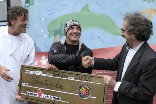 Fragomeni dona 20 mila euro ai bambini malati 3