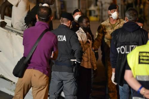 """La rete dei comitati anti-profughi: """"Protesta comune, ci aiuteremo"""""""