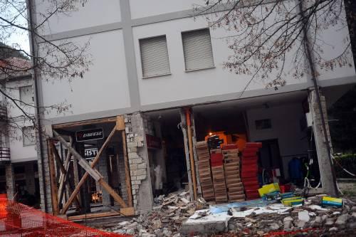 La terra continua a tremare: evacuate otto case su dieci