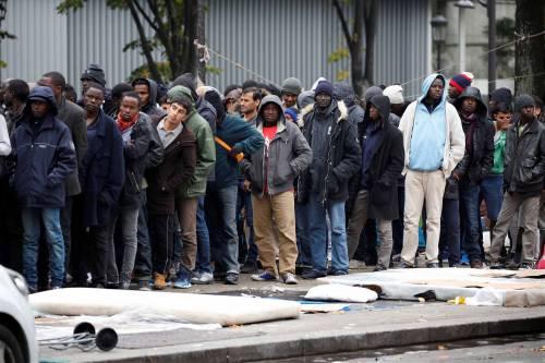 Parigi invasa dai migranti 12