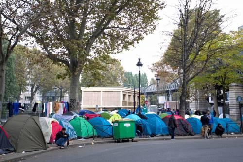 Parigi invasa dai migranti 15