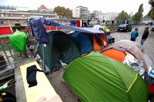 Parigi invasa dai migranti 20