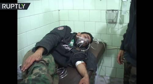 """Aleppo sempre più nel baratro: """"I ribelli usano le armi chimiche"""""""