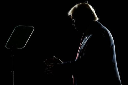 Trump accusato di maxi-evasione ma nei sondaggi sorpassa Hillary