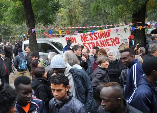 I centri sociali festeggiano coi migranti 11