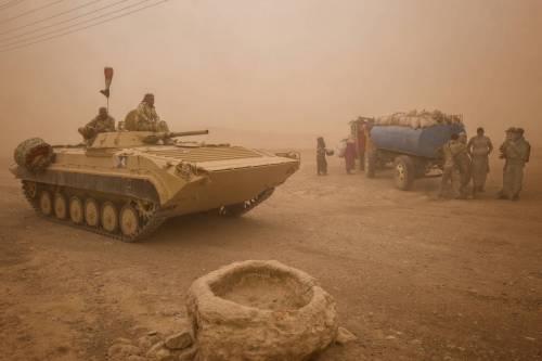 A Mosul l'Isis in ritirata usa i civili come scudi
