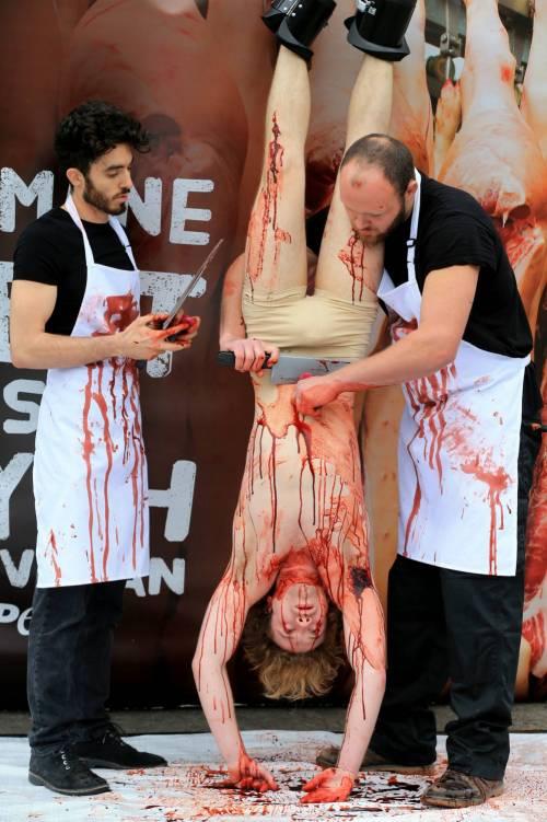 La macellazione umana in piazza a Londra 3