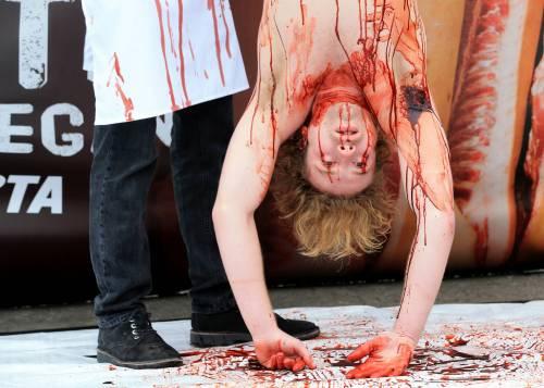 La macellazione umana in piazza a Londra 10