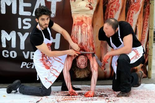 La macellazione umana in piazza a Londra 9
