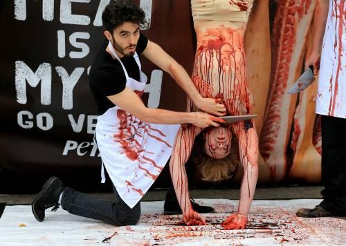 La macellazione umana in piazza a Londra 8