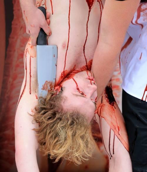 La macellazione umana in piazza a Londra 11