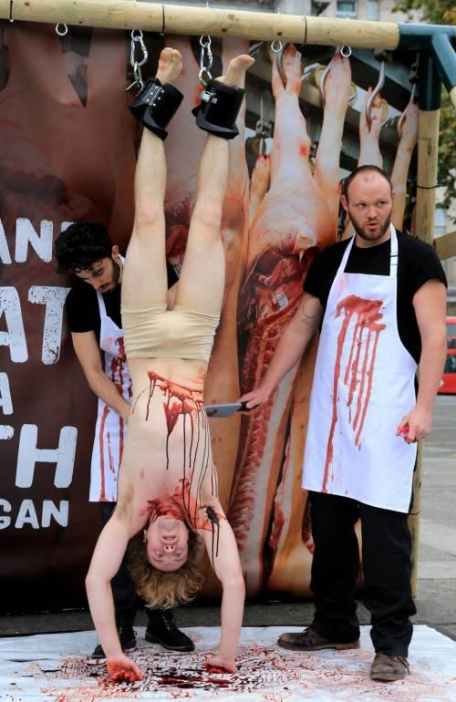 La macellazione umana in piazza a Londra 15
