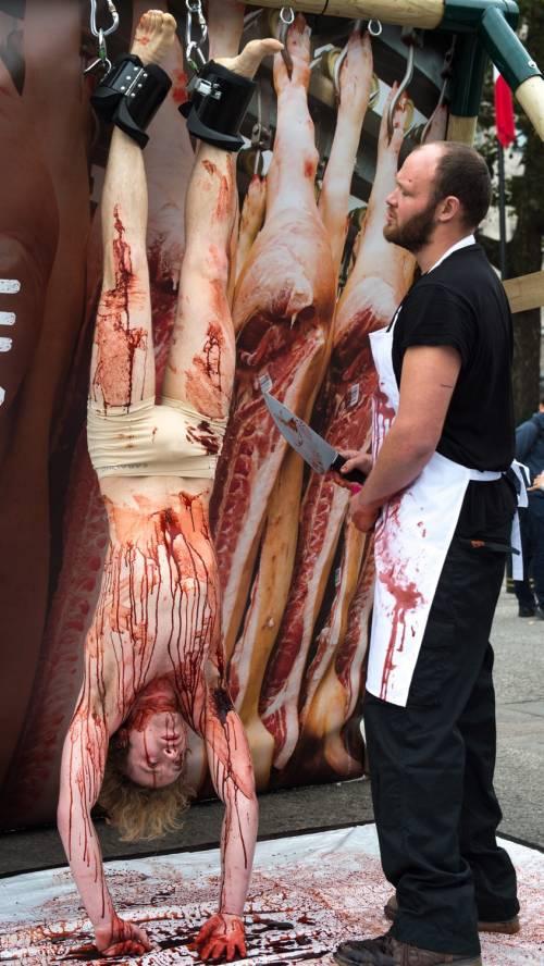 La macellazione umana in piazza a Londra 20