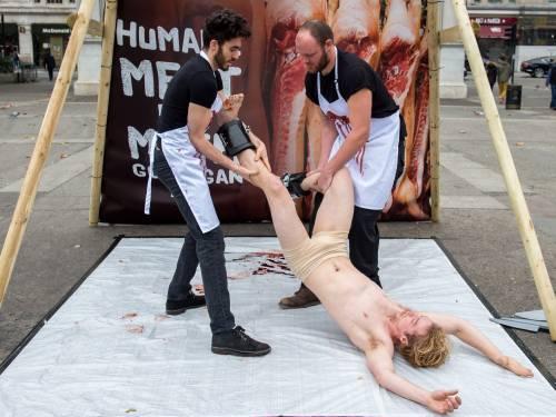 La macellazione umana in piazza a Londra 24