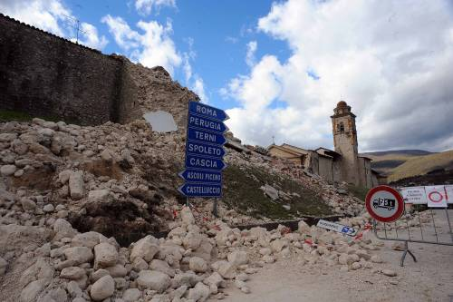 Caos sulla ricostruzione, sul terremoto si litiga già