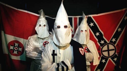 Il Ku Klux Klan invita a sostenere il repubblicano