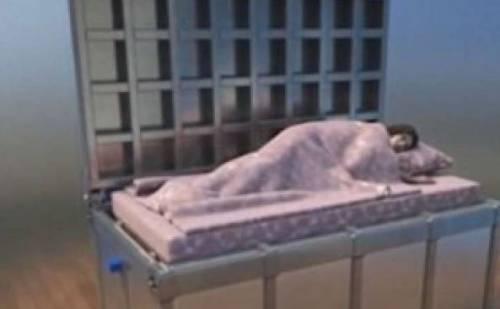 """Il letto bunker per il terremoto: """"Così salva la vita"""""""