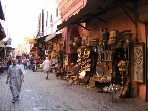 Marocco, si baciano sul balcone. Ragazze rischiano 3 anni di cella