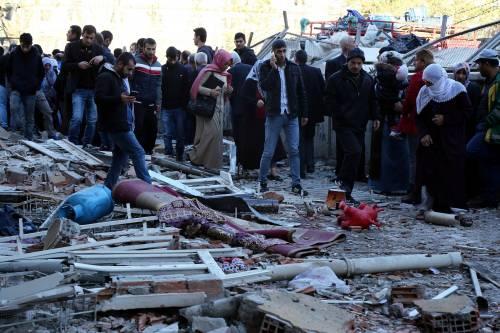 Autobomba contro la polizia a Diyarbakir 1