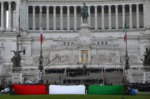 Parà, Tricolore e orgoglio È il giorno delle Forze armate