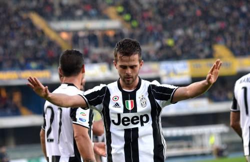 La Juventus espugna Verona: Pjanic regala la vittoria ai bianconeri