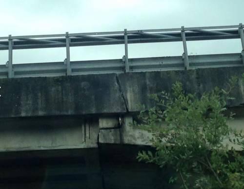 Paura per il cavalcavia sulla E45 dopo il crollo di Lecco