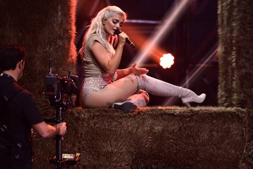 Justin Bieber e Lady Gaga sbancano gli Mtv Europe Music Awards 2016