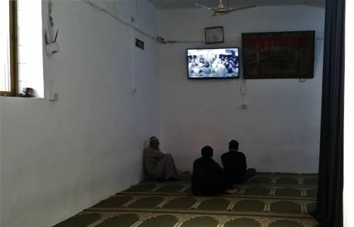 Continua la protesta dei musulmani contro la chiusura delle moschee 6