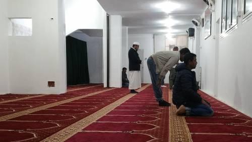 Continua la protesta dei musulmani contro la chiusura delle moschee 10