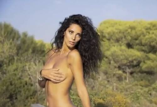 Raffaella Modugno sexy per For Men 5