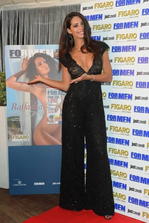 Raffaella Modugno sexy per For Men 7
