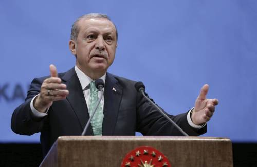 Migranti e pena di morte: doppia minaccia della Turchia all'Ue