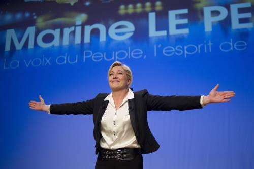 """""""Francia fuori da Ue e Nato"""". Marine Le Pen lancia la sfida a Bruxelles"""