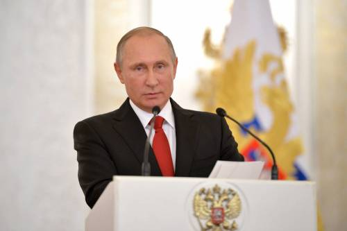 """Putin si congratula con Trump: """"Spero di lavorare insieme"""""""