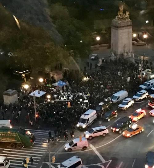 Proteste a New York. In piazza contro Trump