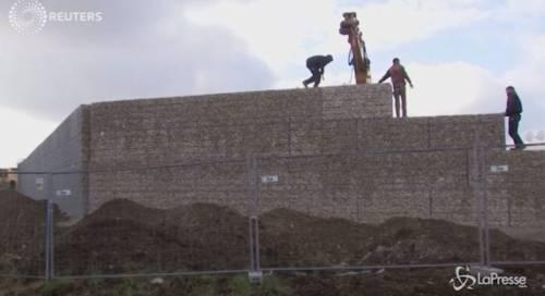 Monaco, il muro anti-immigrati più alto di quello di Berlino