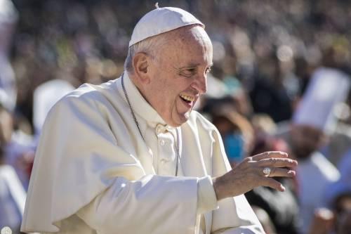 """Il Papa: """"Ho un debole per le vecchiette"""""""