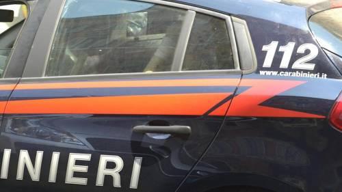 Milano, due cadaveri crivellati di colpi trovati in un'auto ribaltata