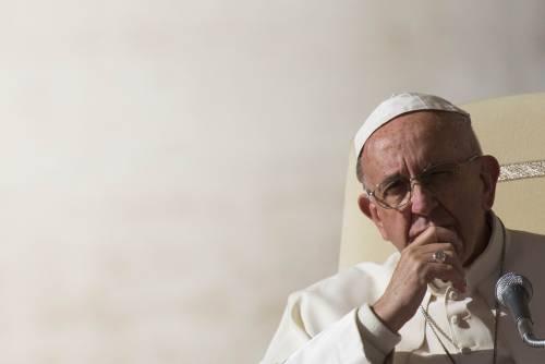 """Migranti, il Papa contro Trump: """"In America non servono muri"""""""
