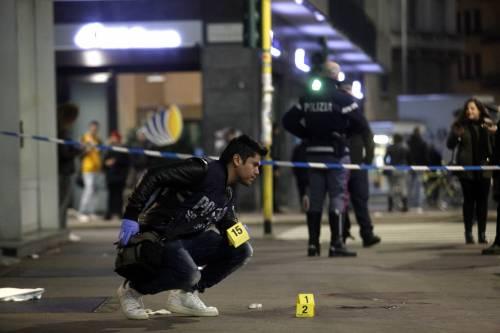 La favela nel centro di Milano: così si uccidono i sudamericani