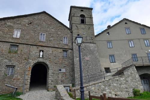 Il paese di undici anime conteso fra Emilia e Toscana