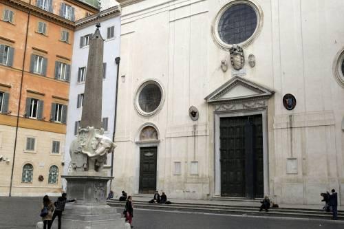 Roma, danneggiato l'Elefantino del Bernini 3