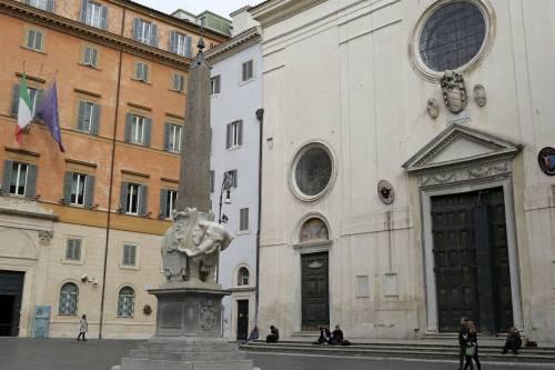 Roma, danneggiato l'Elefantino del Bernini 4