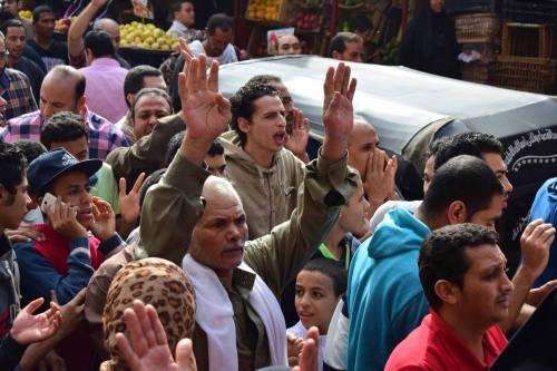 Manifestanti pro-Morsi in corteo a Giza 3