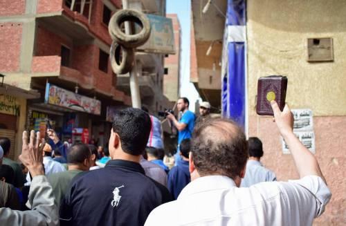 Manifestanti pro-Morsi in corteo a Giza 6