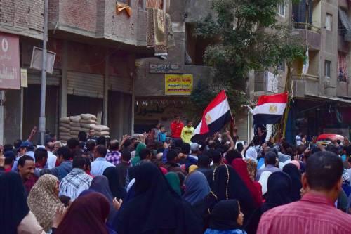 Manifestanti pro-Morsi in corteo a Giza 7