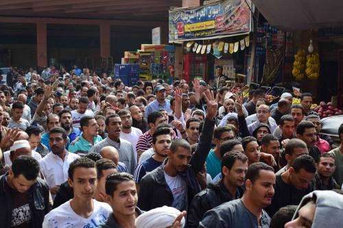 Manifestanti pro-Morsi in corteo a Giza 5