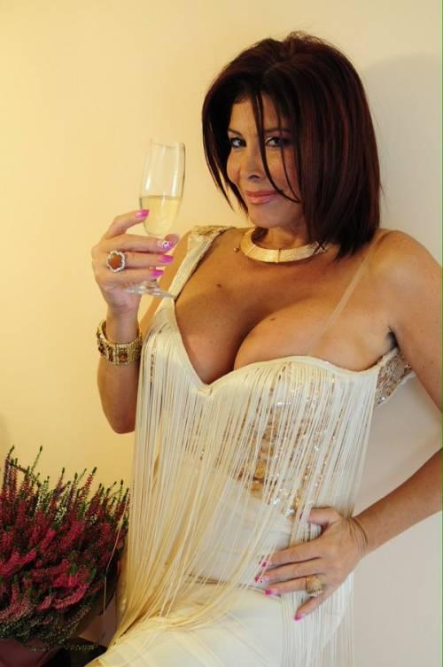 Milly D'Abbraccio hot su Twitter 5