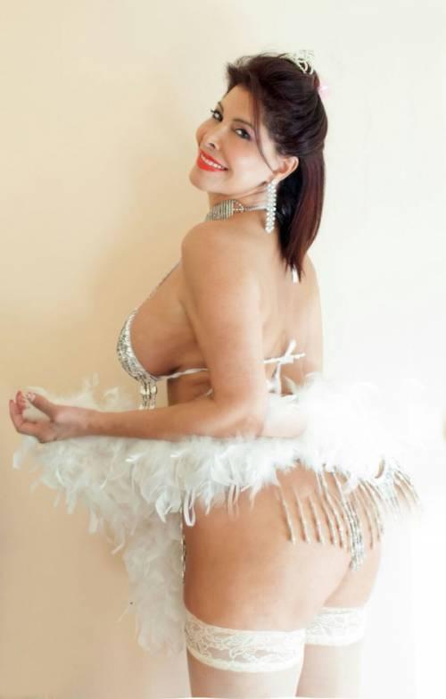Milly D'Abbraccio hot su Twitter 10