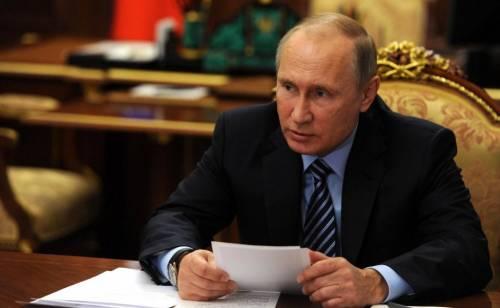 """Mozione Ue contro la Russia: """"Putin come i terroristi islamici"""""""